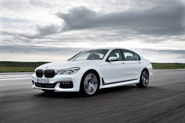 20150903-the-new-bmw-7-series-750li-xdrive-with-m-sport-package-06-2015-600px