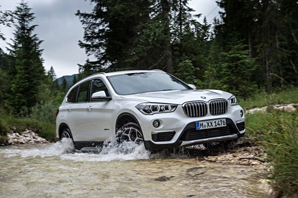 P90190674_lowRes_the-new-bmw-x1-on-lo